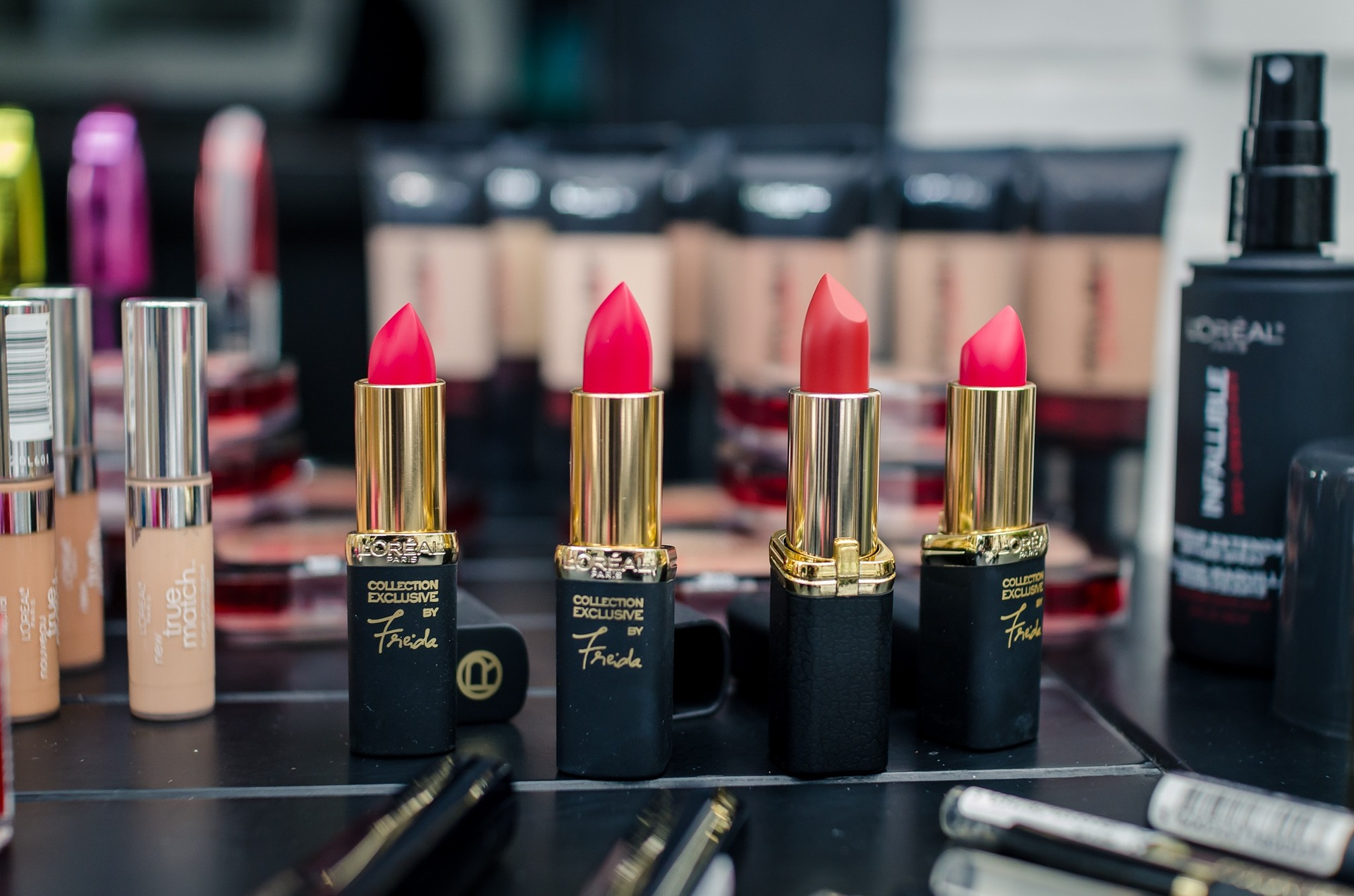 5+ Best Ever Lipstick Shades For Fair Skin